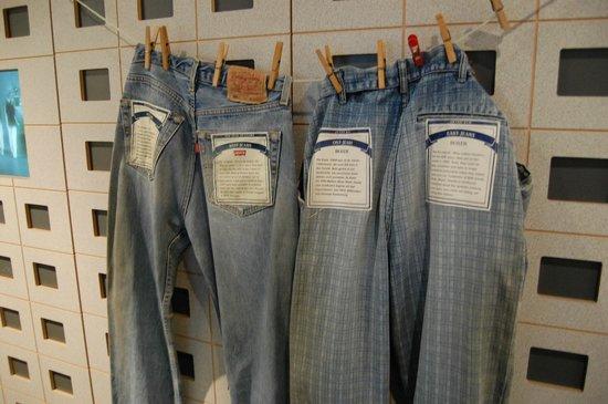 DDR Museum : East vs West jeans