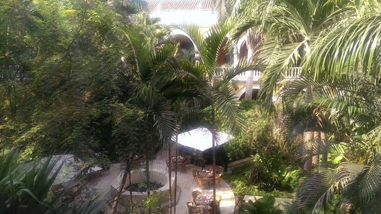 Sofitel Legend Santa Clara : A view of the courtyard from just outside our room
