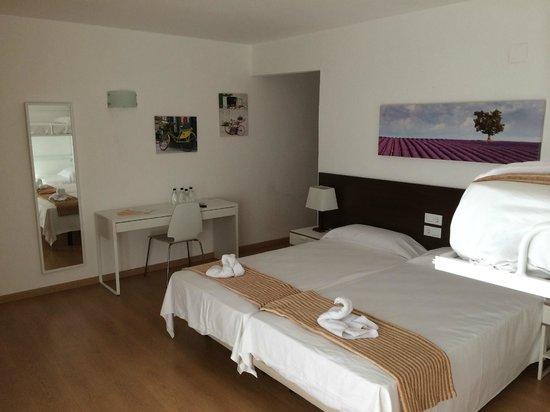 Adia Hotel Cunit Playa: La habitacion muy amplia