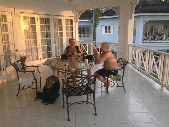 Beachcomber Club: Nice balcony
