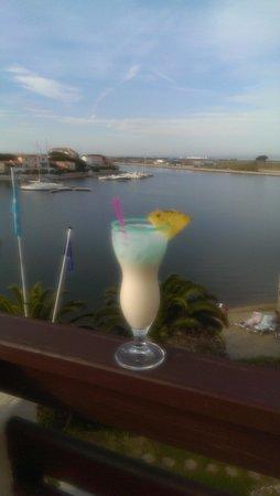 Hotel L'Ile de la Lagune: vue de la chambre