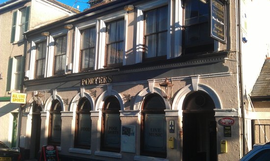 Plymouth, UK: Porters front