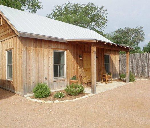 Hoffman Haus : Ada's Cottage exterior