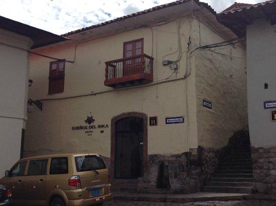 Hotel Suenos del Inka: Fachada del hotel