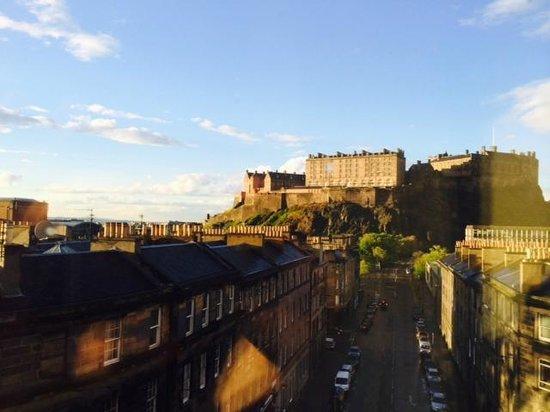 DoubleTree by Hilton Hotel Edinburgh City Centre: Castle View