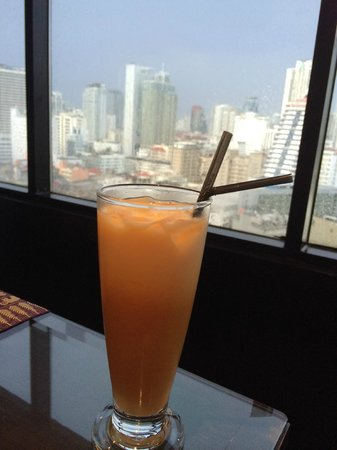 JW Marriott Hotel Bangkok: Thai Tea and a view