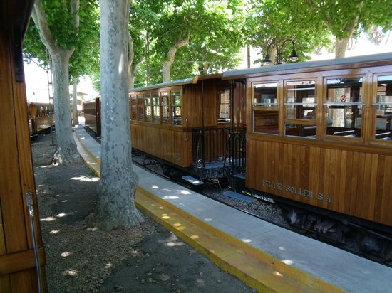 Ferrocarril de Soller: Trein Palma-Soler