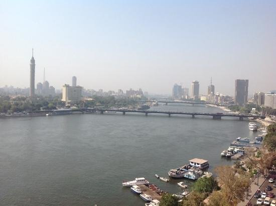 Kempinski Nile Hotel Cairo: view from roof top pool