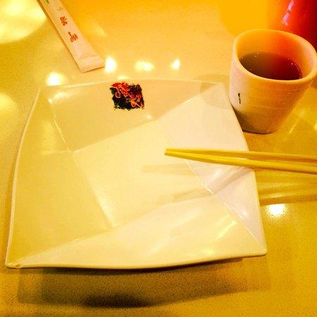 Ken Kee Restaurant : Table setting