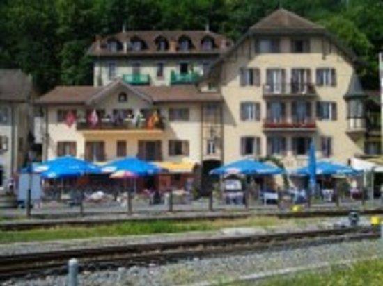 Taverne de la tour le bouveret restaurant reviews - La cuisine du monstre tours ...