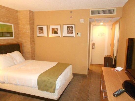 Holiday Inn San Antonio International Airport: Double room
