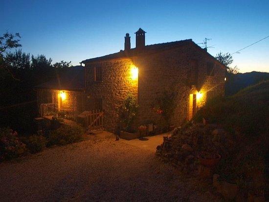 GranNoce Bed and Breakfast : Il casale al tramonto