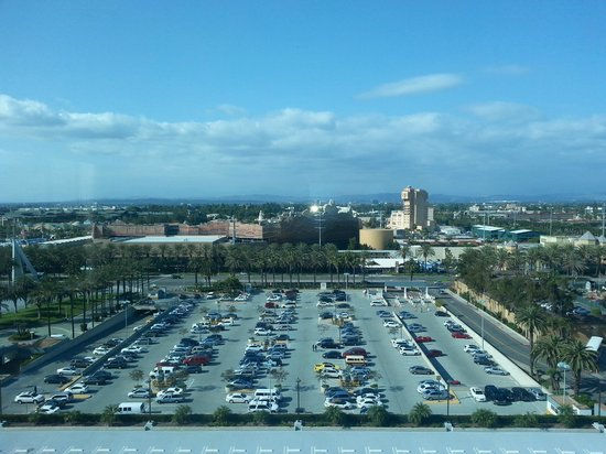 Hilton Anaheim: View of Disneyland