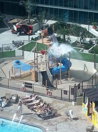 Hilton Anaheim: Pool