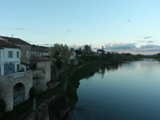 La Batellerie: wiew from the bridge 50 m from the hotel