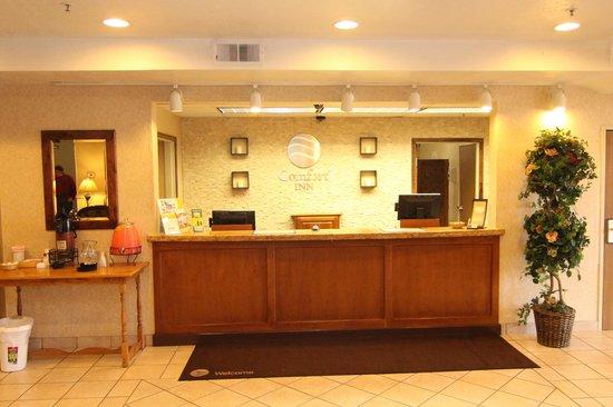 Comfort Inn Richfield: Front Lobby
