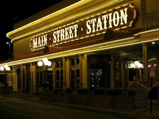 Main Street Station Hotel & Casino: Valet entrance