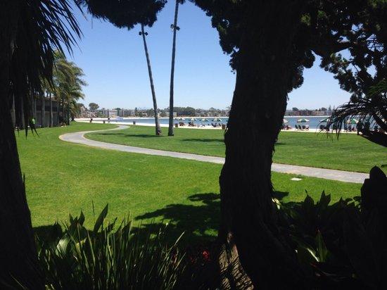 Catamaran Resort Hotel and Spa: Beach view