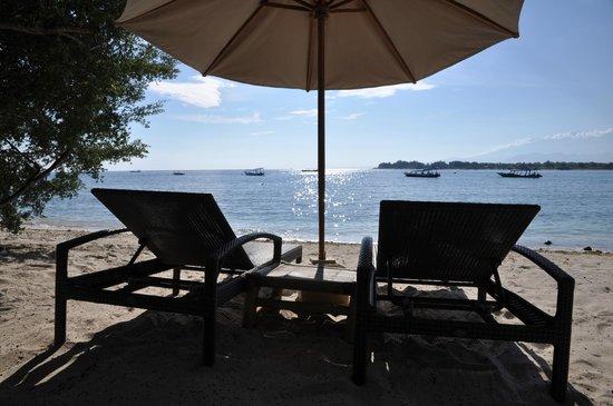 Vamana Resort: Sunbath on the private beach area
