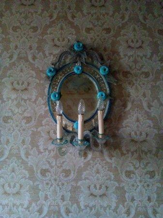 Palazzo Pucci B&B: sala al mattino