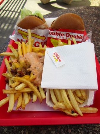 In-N-Out Burger: YUM!