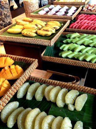 Four Seasons Resort The Nam Hai, Hoi An: breakfast buffet