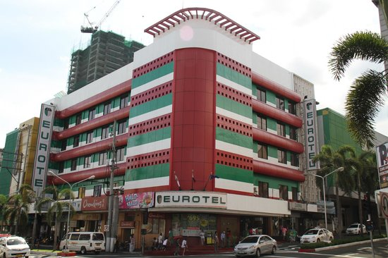 Eurotel Araneta: The hotel from the road
