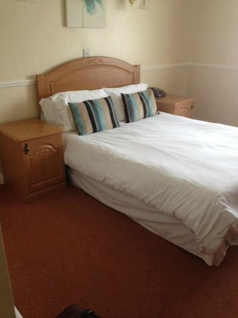 Chilton Country Pub and Hotel: bed
