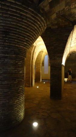 Palau Güell: Basement/ former horse stable