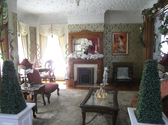 Queen Anne Bed And Breakfast Nevada Ia