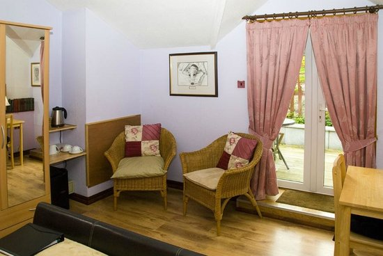 Beech Hill House: Seating area in Room 1