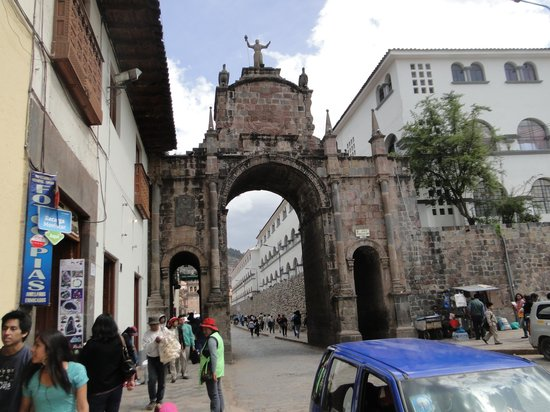 Centro Historico De Cusco: Gate off square