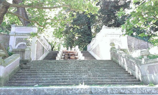 Orto Botanico di Roma: Water fountain