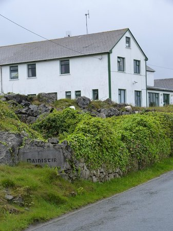Mainistir House Hostel: The Hostel