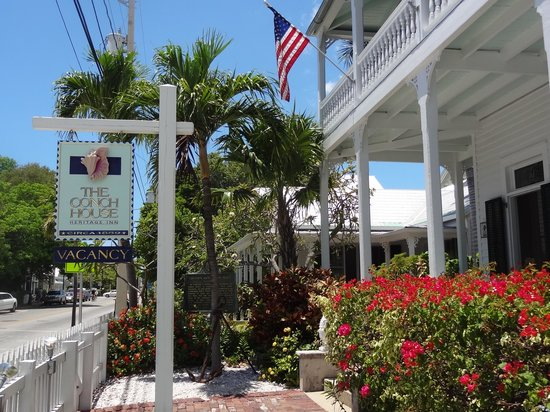 The Conch House Heritage Inn : Front of Inn
