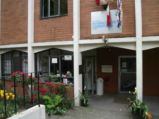 Hostelling International Vancouver Downtown : Entrance