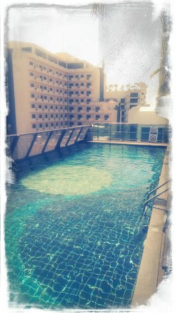 Sunshine Hotel & Residences : Roof-top Pool