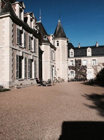 Chateau du Breuil : The outside of the Castle