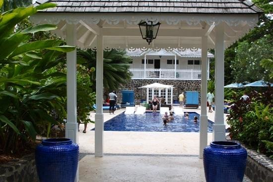Rendezvous Resort: Garden Pool, Rendezvous with Pauline running an aqua robics class