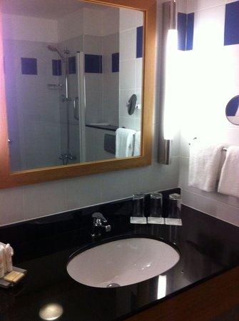 Radisson Blu Hotel, Letterkenny: bathroom