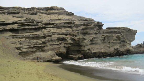 South Point (Ka Lae) y playa Papakolea: Green Sand Beach rock formation