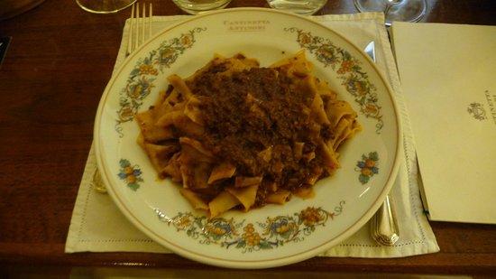 Cantinetta Antinori: Beef ragu pappardelle