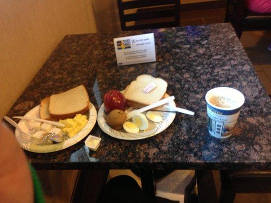 Best Western Fort Washington Inn: Dining