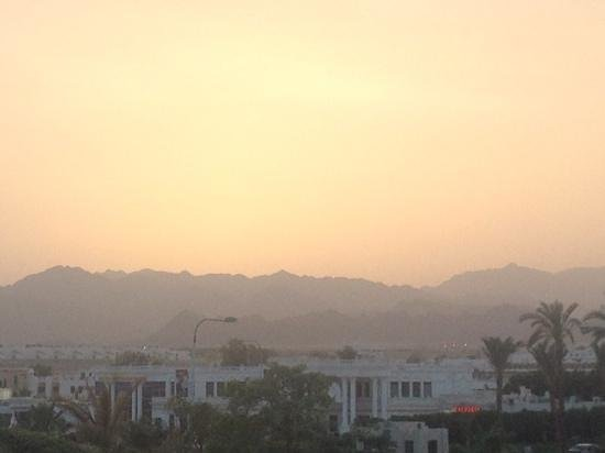 Le Royale Sharm El Sheikh, a Sonesta Collection Luxury Resort: Sunset over Sharm