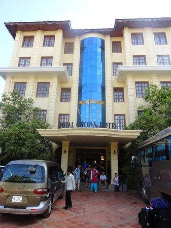 Royal Crown Hotel: l'entrée