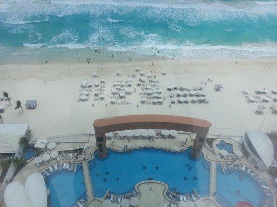 view at the sky bar beach palace