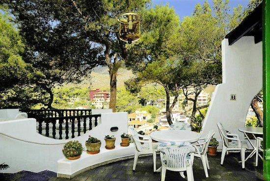 Hostal Los Pinos: Terrace Los Pinos