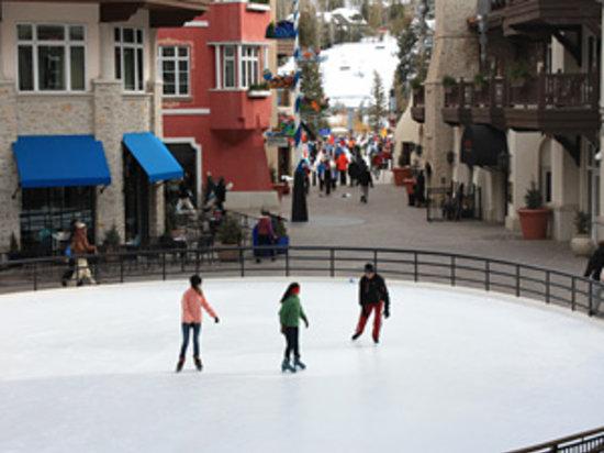 Lionshead Arcade: Ice Skating in Lionshead Village