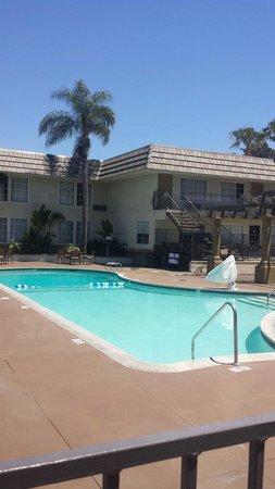 Portofino Inn San Diego Hotel Circle: Open 9 am to 10 pm