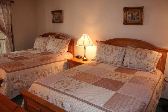 Lionshead Arcade: guest bedroom